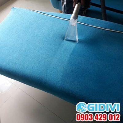 Dịch vụ giặt ghế sofa tại nhà ở TPHCM - GiDiVi